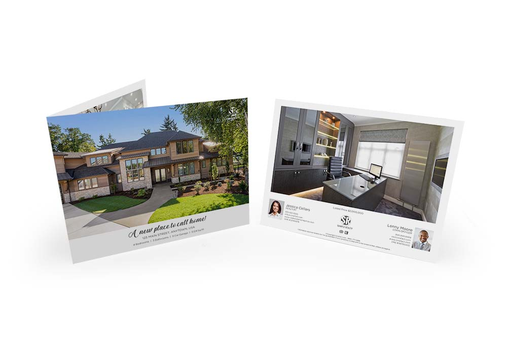 Corefact Typography Love Brochure - Panoramic Fold (Team)